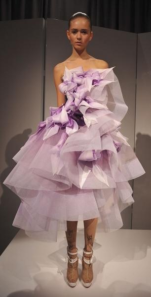 Пора выпускных платьев: платья для выпускного вечера 2012.