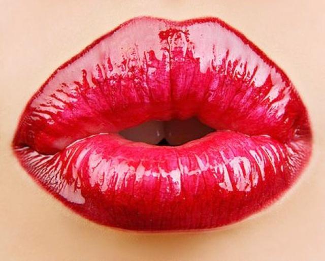 Первый поцелуй с девушкой фото. 3 из 15.