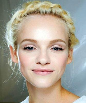 Как правильно сделать выпускной макияж