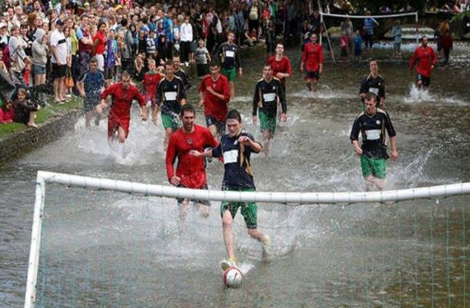 Мокрый футбол 3