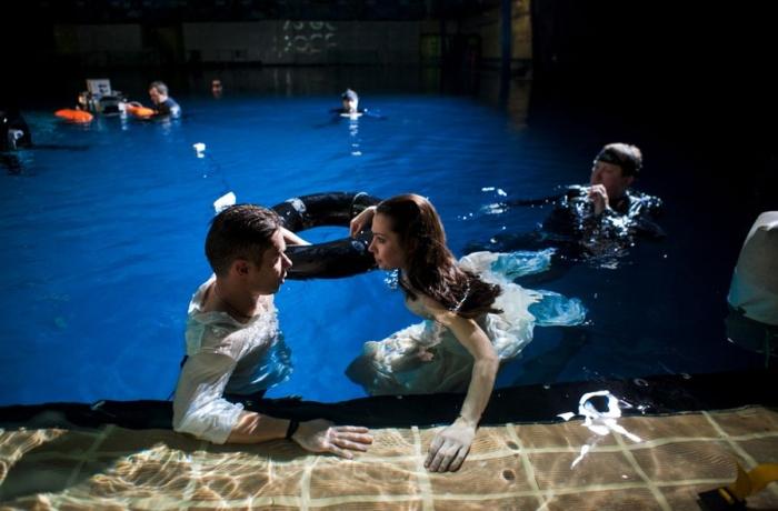 Как снимали титаника в бассейне фильмы с брюсом уиллисом кадры