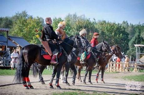 Турнир лучников в Парке Киевская Русь