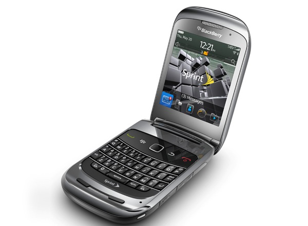 Новые плоды от BlackBerry – ягодка Style 9670