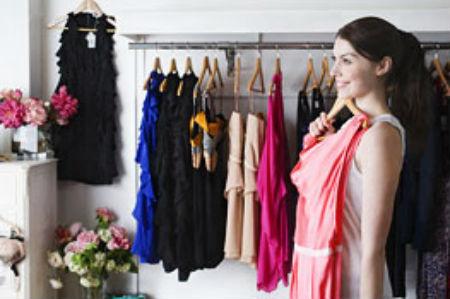 Акцент на женственности: модные вечерние платья 2012