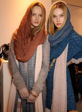 Подходящий тип шарфа: любой шерстяной или кашемировый шарф продолговатой...