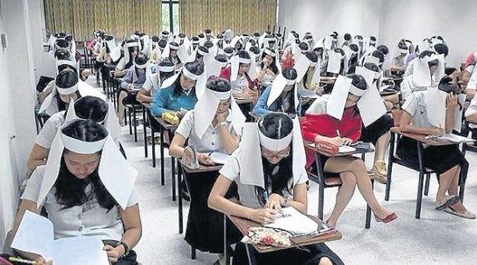Студент в шлеме