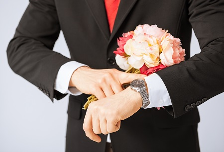 Как жених на свадьбу собирался