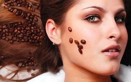 Рецепты красоты: скраб для лица из кофе
