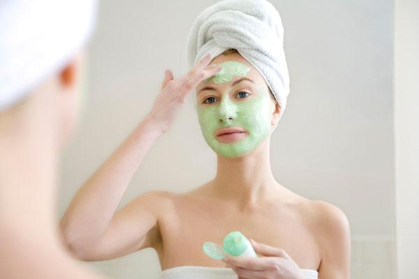 Домашний салон красоты: питательные маски для лица