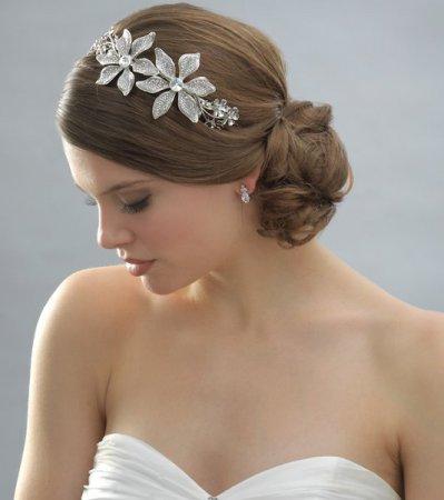 Учимся делать свадебные прически: видео