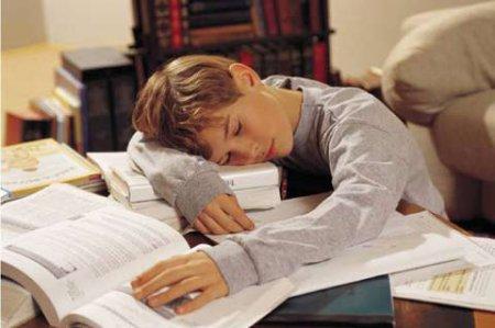Воспитание ребенка. Надо ли помогать детям с уроками?