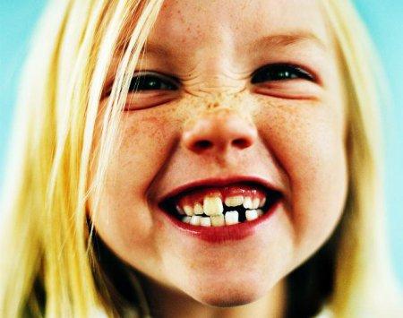 Развитие ребенка. Уход за зубками.