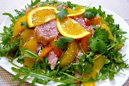 Как приготовить  вкуснейший салат из языка: видео