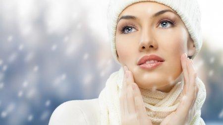 Как правильно ухаживать за лицом и телом зимой