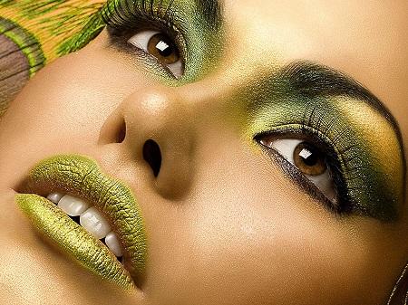 Визажисты определили тренд 2015: зеленый макияж, который сделает соблазнительной каждую женщину