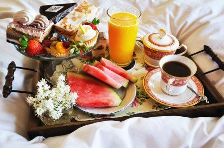 Сніданок на 8 березня