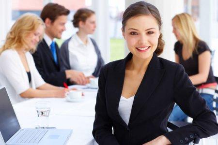 ТОП-5 легких і модних зачісок для офісу від професійних стилістів
