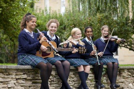 Девятая ежегодная выставка британских школ-пансионов