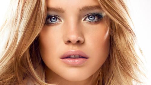 Смотреть Правильный уход за кожей: косметика, которая останавливает время видео