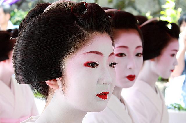 Наряд и макияж для гейши