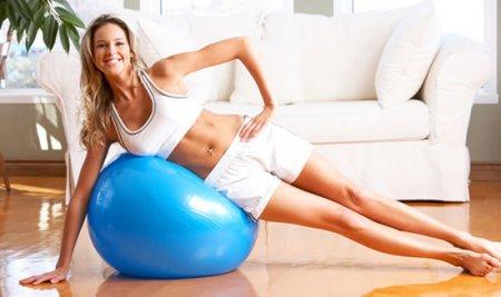 Тренери визначили ТОП-5 простих фітнес вправ для жінок на всі групи м'язів