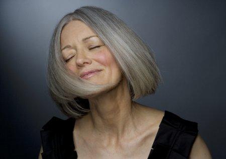 Диетологи раскрыли секрет молодости: как правильно питаться женщине после 55 лет