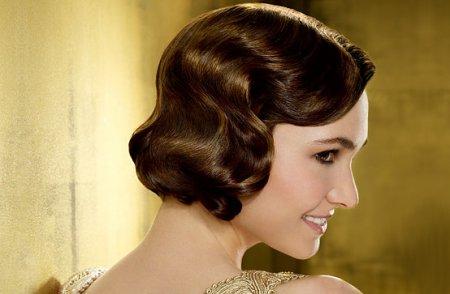 Стилісти розповіли яким дівчатам підійдуть зачіски 30-х років