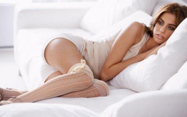 в постели женщины фото