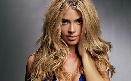Зачіски на довге волосся своїми руками: ТОП-5 кращих варіантів