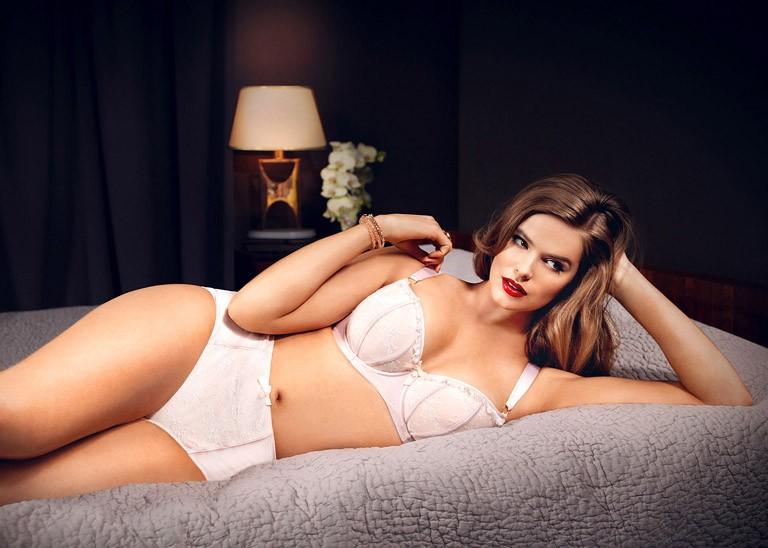 Обычные женщины с большой грудью видео фото 666-743