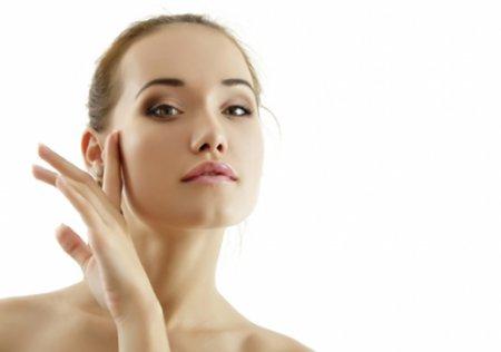 Маски для лица: эффективные средства для очищения и питания кожи