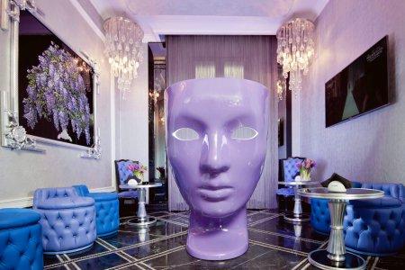 Лавандовий колір в інтер'єрі салону краси