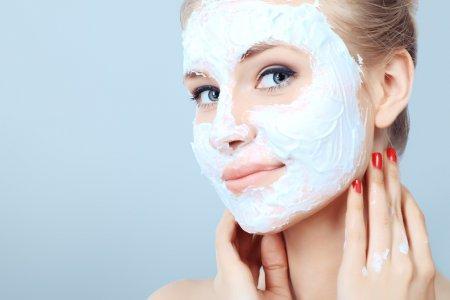 Нужно ли делать маски для лица? Мнение экспертов