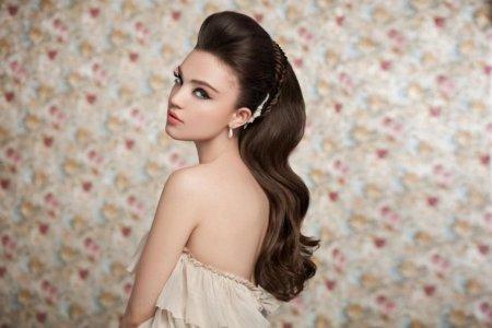 Зачіски на випускний бал: поради стилістів