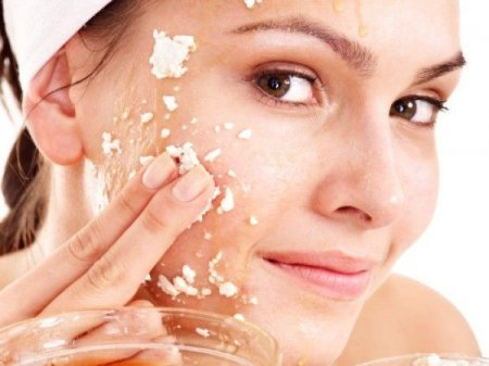 Як запобігти старінню шкіри: маски для тіла з вівсяних пластівців