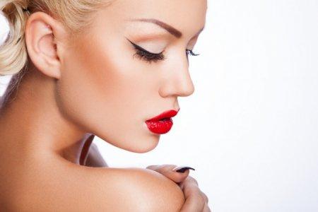 Идеальный макияж под красную помаду: советы визажистов