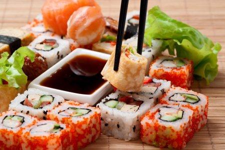 Секреты японской кухни: как приготовить суши в домашних условиях