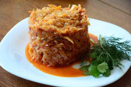 Як приготувати тушковану капусту: традиційний рецепт