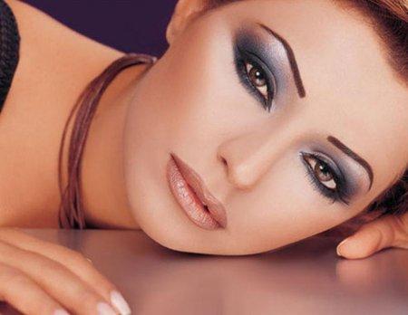 Как сделать макияж «ласточка»: пошаговая инструкция стильного мейк-апа