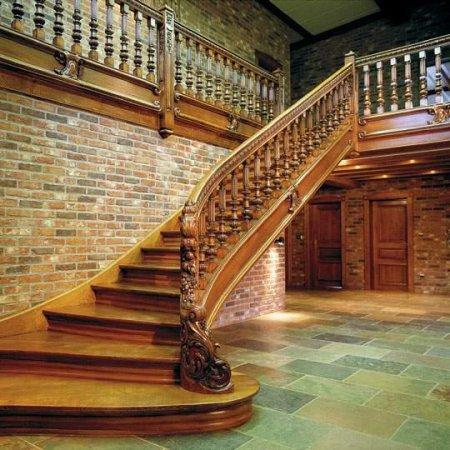 Яким повинен бути інтер'єр сходів