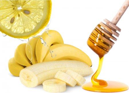 Позбавляємося від вугрів: як зробити маску для обличчя з бананів
