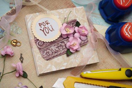 Подарунки своїми руками: як виготовити хенд мейд листівки
