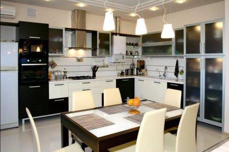 Інтер'єр кухні: освітлення