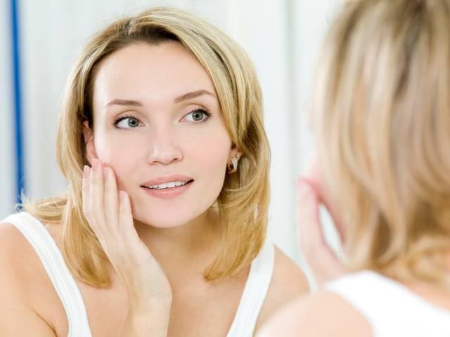 Як зробити омолоджуючий макіяж для жінок старше 40 років 019c42a993716