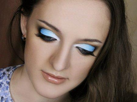 Поетапна техніка виконання макіяжу очей «банан»