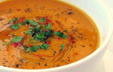 Смачні рецепти: як готувати сочевичний суп