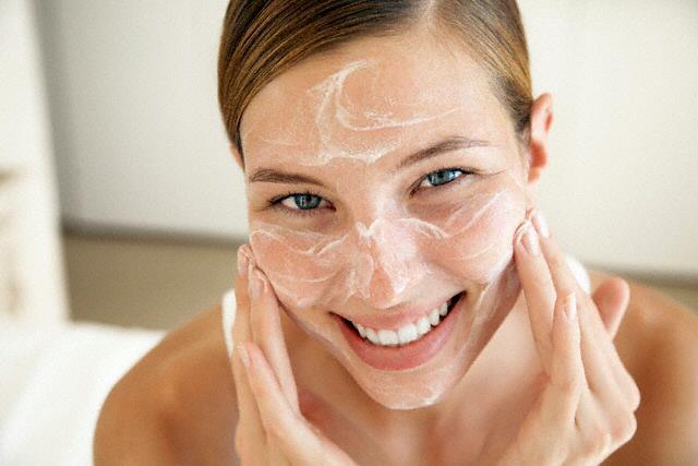 Як позбутися від вугрів  чистка обличчя содою 145d3b84c8b35