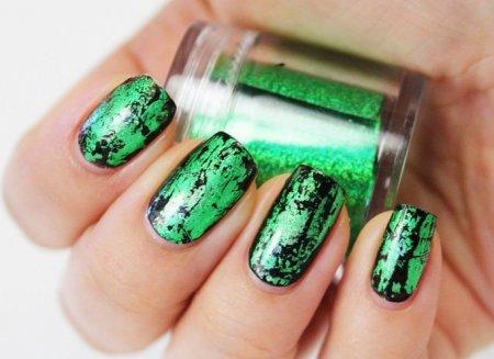 Дизайн нігтів: зелений у моді 2015