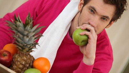 Режим питания мужчины: ТОП вредных и полезных продуктов