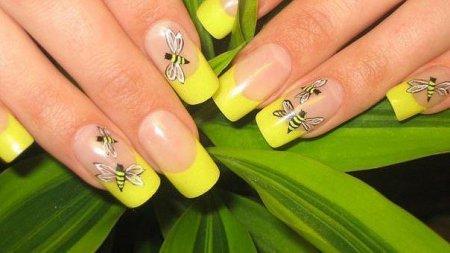Дизайн нігтів біогелем